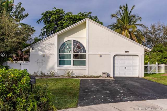 9811 SW 58th Ct, Cooper City, FL 33328 (#A10763248) :: Real Estate Authority