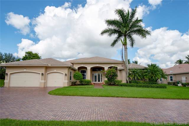 15379 SW 33rd St, Davie, FL 33331 (MLS #A10763660) :: Grove Properties