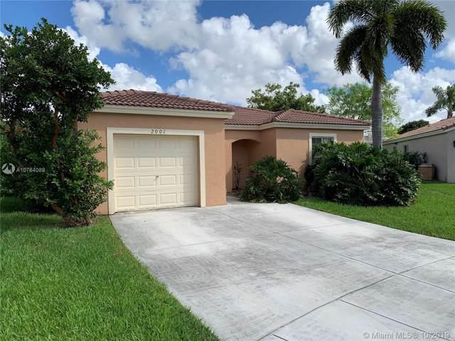 2001 SW 104th Ave, Miramar, FL 33025 (MLS #A10764089) :: Berkshire Hathaway HomeServices EWM Realty