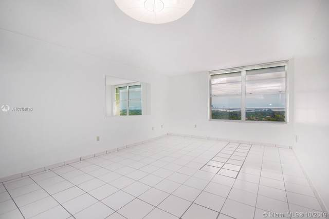 2899 Collins Ave #1708, Miami Beach, FL 33140 (MLS #A10764820) :: The Teri Arbogast Team at Keller Williams Partners SW