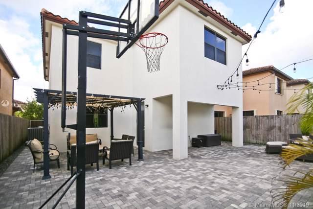 651 SE 34th Ave, Homestead, FL 33033 (MLS #A10765342) :: Berkshire Hathaway HomeServices EWM Realty