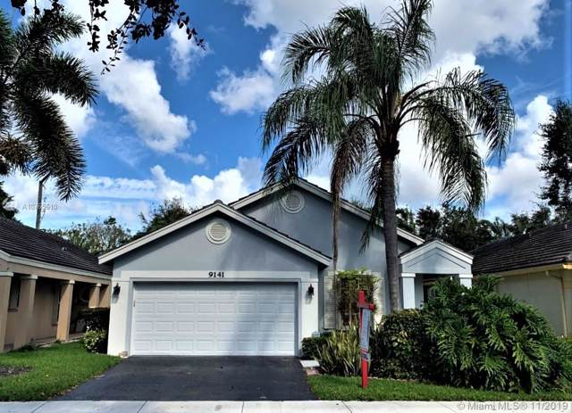 9141 N Lake Park Cir. N, Davie, FL 33328 (MLS #A10765610) :: Green Realty Properties