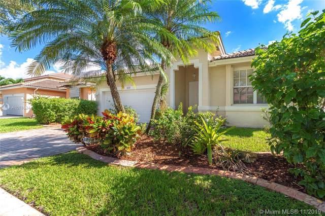 3117 SW 137th Avenue, Miramar, FL 33027 (MLS #A10766244) :: United Realty Group