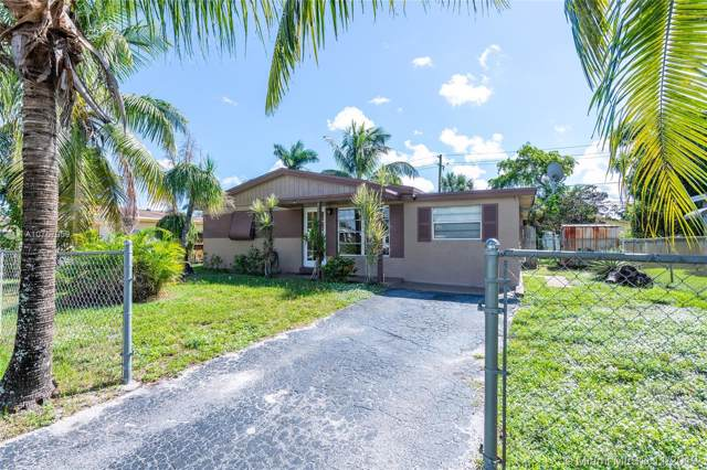 4068 SW 50th St, Dania Beach, FL 33314 (MLS #A10767059) :: Laurie Finkelstein Reader Team