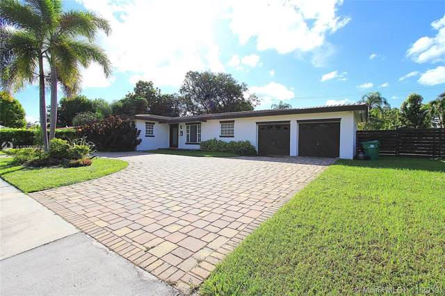 10240 SW 120th St, Miami, FL 33176 (MLS #A10767332) :: The Riley Smith Group