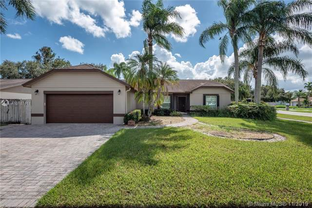12740 SW 12th Ct, Davie, FL 33325 (MLS #A10767411) :: Berkshire Hathaway HomeServices EWM Realty