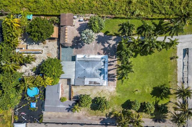 17325 SW 188th St, Miami, FL 33187 (MLS #A10767938) :: The Erice Group