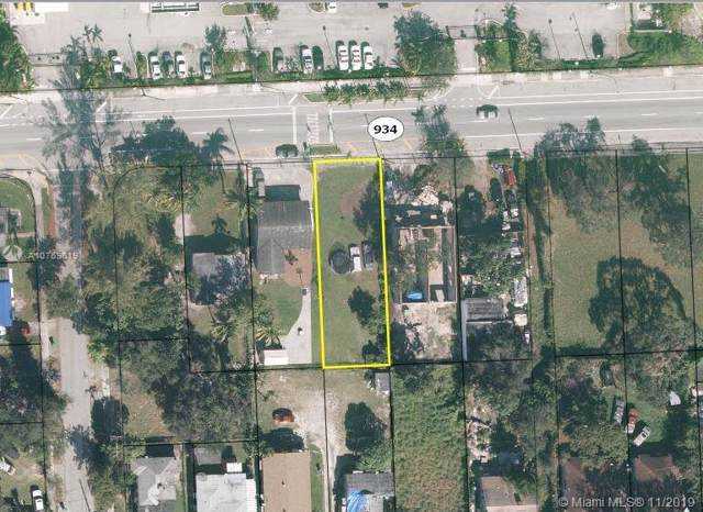 770 NW 81st St, Miami, FL 33150 (MLS #A10769019) :: Laurie Finkelstein Reader Team
