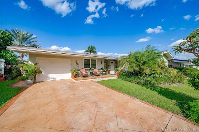 8831 NW 15th St, Pembroke Pines, FL 33024 (MLS #A10769039) :: The Howland Group