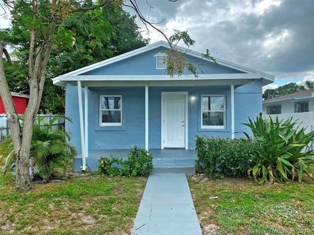 860 NW 118th St, Miami, FL 33168 (MLS #A10769322) :: The Kurz Team