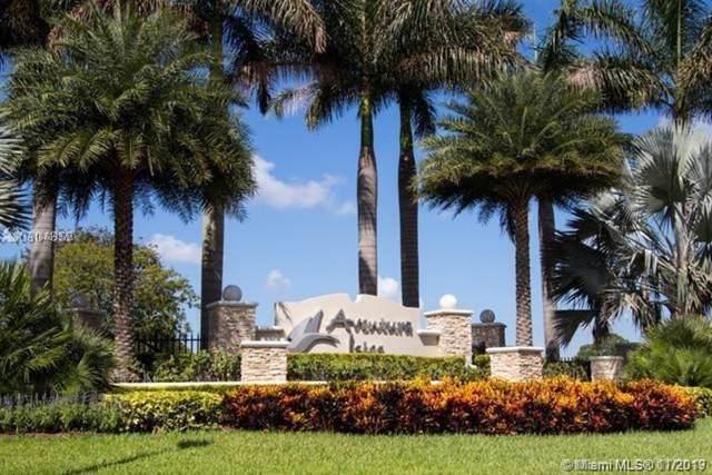 679 NE 193rd St, Miami, FL 33179 (MLS #A10769372) :: Laurie Finkelstein Reader Team