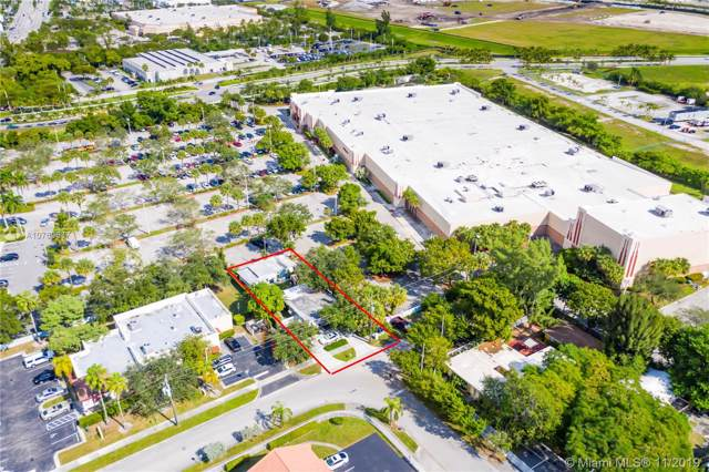 2055 NE 140th St, North Miami Beach, FL 33181 (MLS #A10769537) :: ONE | Sotheby's International Realty