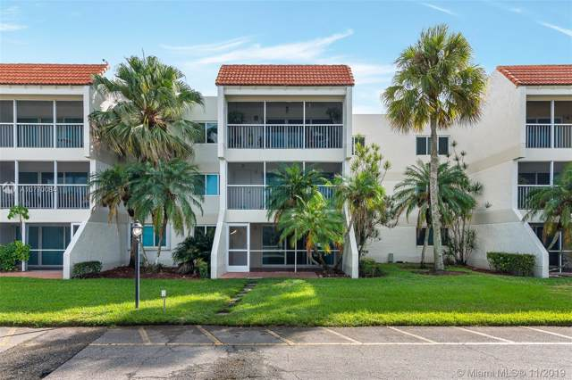 100 Lakeview Dr #112, Weston, FL 33326 (MLS #A10770084) :: Green Realty Properties