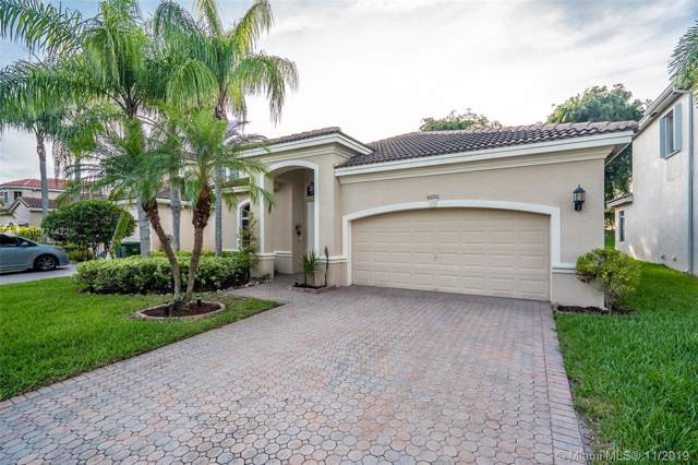 6151 SW 195th Ave, Pembroke Pines, FL 33332 (MLS #A10771422) :: Green Realty Properties