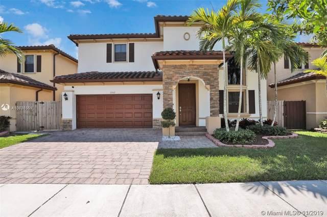 2742 NE 1st St, Homestead, FL 33033 (MLS #A10771559) :: Prestige Realty Group