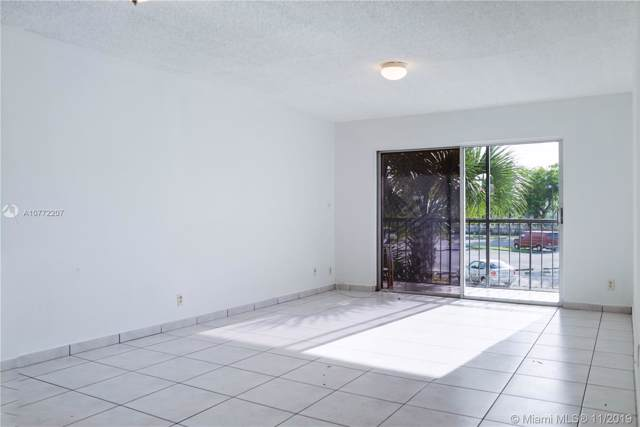8005 Lake Dr #207, Doral, FL 33166 (MLS #A10772207) :: United Realty Group
