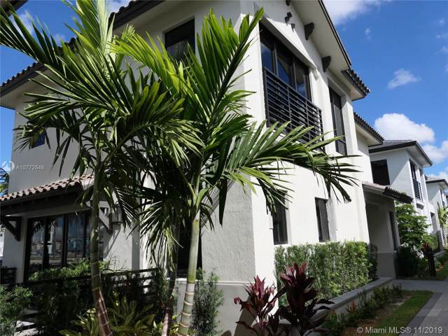 8268 NW 46th Ter, Doral, FL 33166 (MLS #A10772546) :: United Realty Group