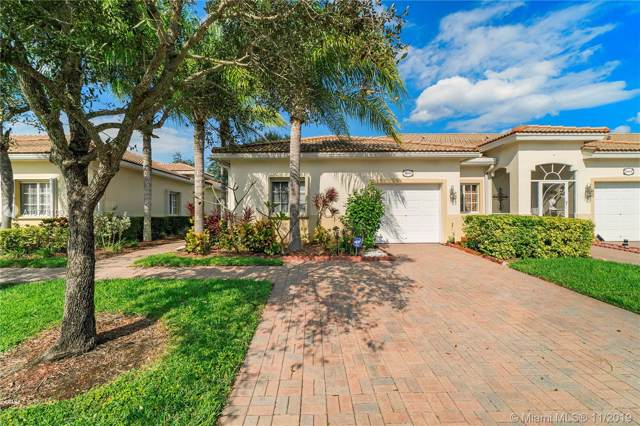 9943 Galleon Dr, West Palm Beach, FL 33411 (#A10773109) :: Real Estate Authority