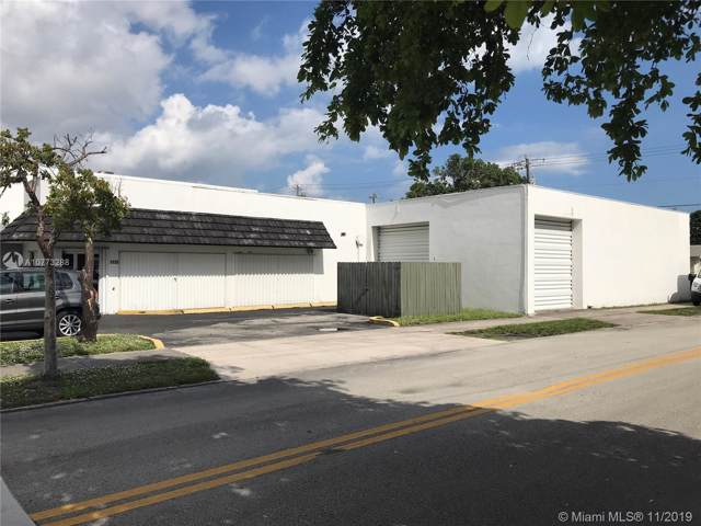 1135 S 21st Ave, Hollywood, FL 33020 (MLS #A10773288) :: The Teri Arbogast Team at Keller Williams Partners SW