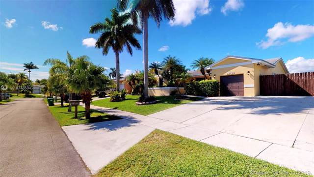 21420 SW 97th Pl, Cutler Bay, FL 33189 (MLS #A10773504) :: The Erice Group