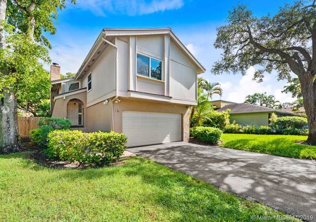 87 Juniper Rd, Hollywood, FL 33021 (#A10773751) :: Real Estate Authority
