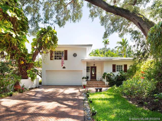 911 Andres Ave, Coral Gables, FL 33134 (MLS #A10773789) :: The Adrian Foley Group