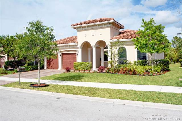 7660 Red Bay Ln, Parkland, FL 33076 (MLS #A10773966) :: The Paiz Group