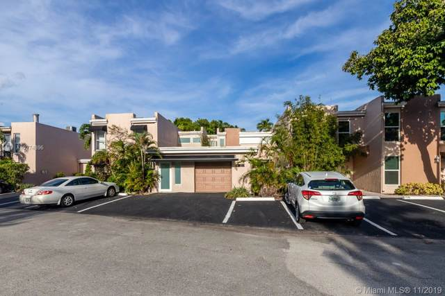 4 Coventry Way 17A, Wilton Manors, FL 33305 (MLS #A10774396) :: The Paiz Group