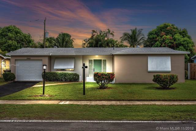 3960 NW 34th Ave, Lauderdale Lakes, FL 33309 (MLS #A10774430) :: The Kurz Team