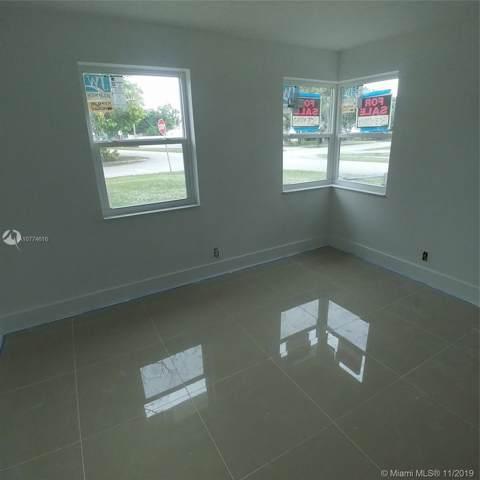 2701 NE 9th Ave, Pompano Beach, FL 33064 (MLS #A10774616) :: Castelli Real Estate Services
