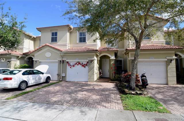 8133 NW 108th Pl, Doral, FL 33178 (MLS #A10774950) :: RE/MAX Presidential Real Estate Group