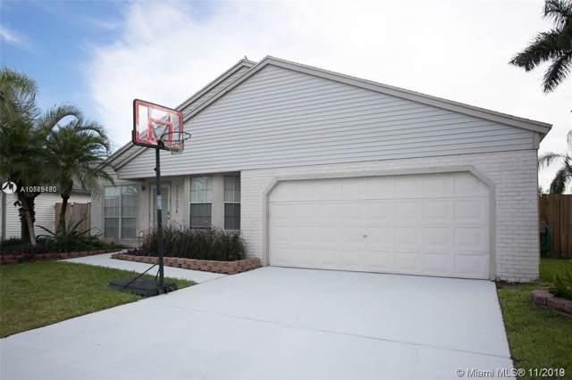 13560 SW 9th Ct, Davie, FL 33325 (MLS #A10775180) :: Green Realty Properties