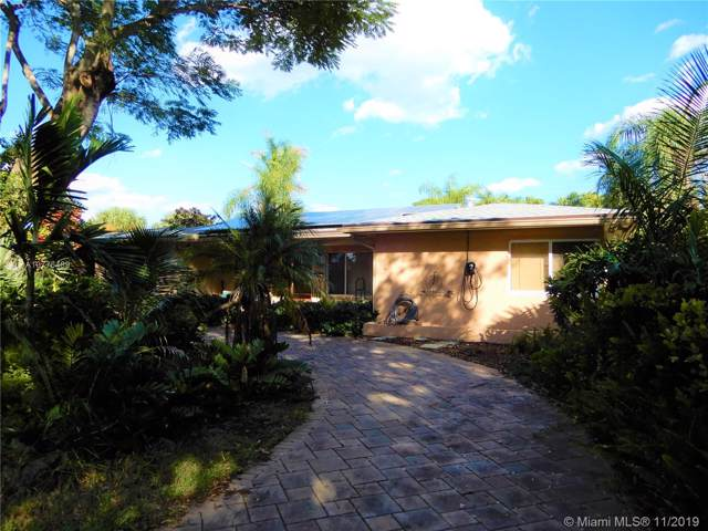 223 S 57th Way, Hollywood, FL 33023 (#A10776489) :: Real Estate Authority