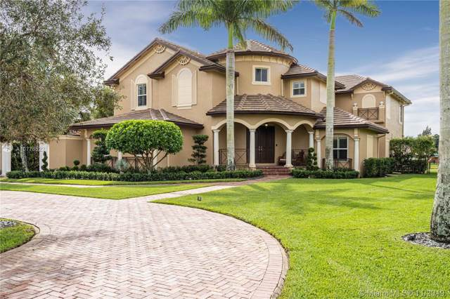14250 N Jockey Cir N, Davie, FL 33330 (MLS #A10776522) :: The Paiz Group