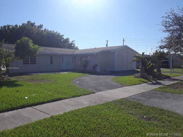 10610 SW 199th St, Cutler Bay, FL 33157 (MLS #A10776544) :: The Paiz Group