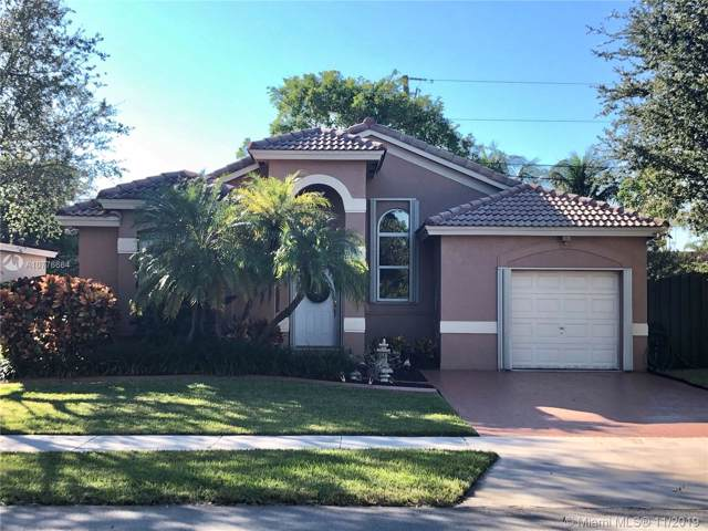 18332 SW 94th Ct, Palmetto Bay, FL 33157 (MLS #A10776664) :: The Kurz Team