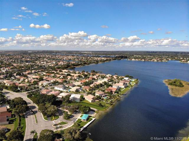 18312 NW 11th St, Pembroke Pines, FL 33029 (MLS #A10777351) :: The Jack Coden Group