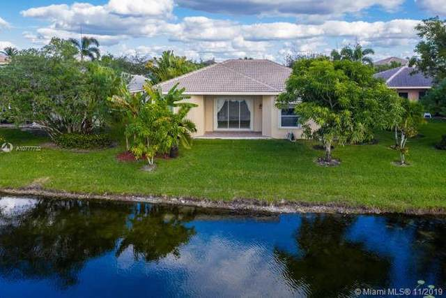 948 NW 168 Ave, Pembroke Pines, FL 33028 (MLS #A10777732) :: Green Realty Properties