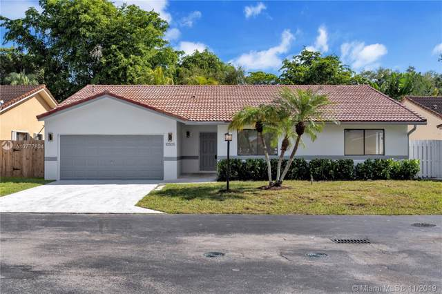10505 SW 158TH PL, Miami, FL 33196 (MLS #A10777804) :: The Howland Group