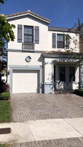 635 NE 193rd St, Miami, FL 33179 (MLS #A10779097) :: Lucido Global