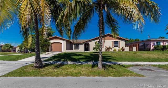 10875 SW 164, Miami, FL 33157 (MLS #A10779831) :: The Adrian Foley Group