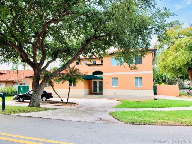 8564 NW 165th St, Miami Lakes, FL 33016 (MLS #A10780477) :: Albert Garcia Team