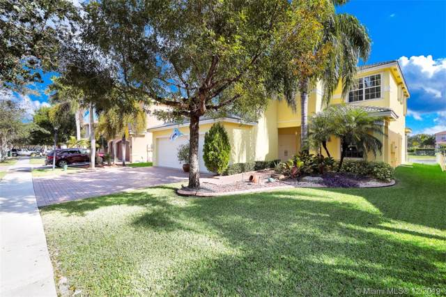 5423 SW 186th Way, Miramar, FL 33029 (MLS #A10780830) :: The Teri Arbogast Team at Keller Williams Partners SW