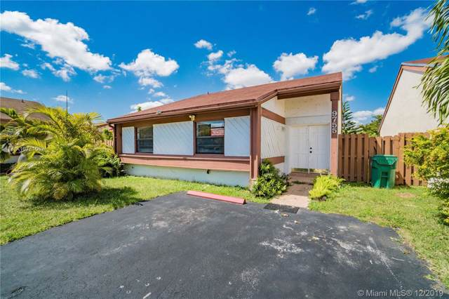 9755 SW 148th Ct, Miami, FL 33196 (MLS #A10781087) :: The Howland Group