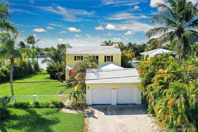 8926 Irving Ave, Surfside, FL 33154 (MLS #A10781596) :: Albert Garcia Team