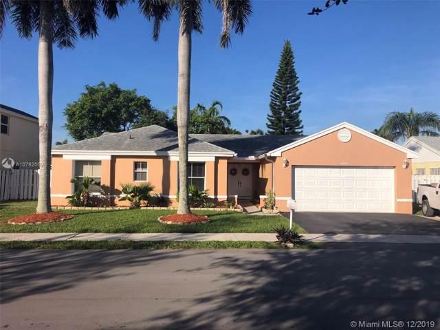 4031 SW 72nd Way, Davie, FL 33314 (MLS #A10782002) :: Castelli Real Estate Services