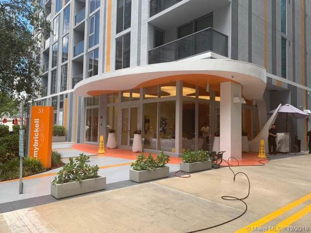 Miami, FL 33131 :: The Howland Group