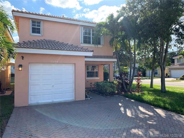 9490 NW 55th St, Sunrise, FL 33351 (MLS #A10782578) :: Castelli Real Estate Services