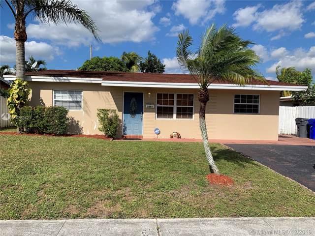 7581 Polk St, Hollywood, FL 33024 (MLS #A10783421) :: Grove Properties