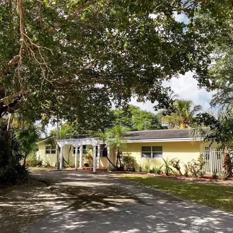 13550 SW 99th Pl, Miami, FL 33176 (MLS #A10784615) :: The Riley Smith Group